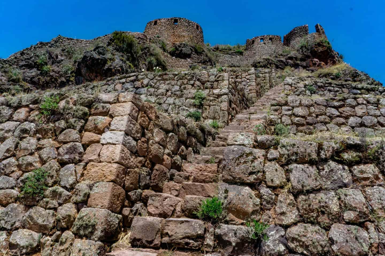ruins-pisac-machu-picchu-travel-guide